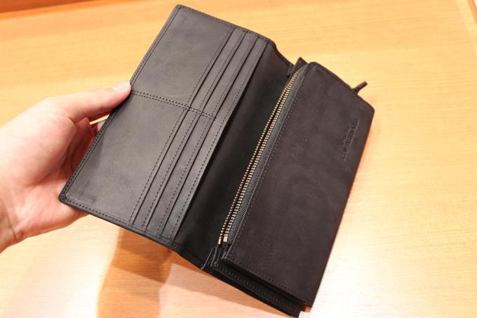 財布の構造も、非常に機能的