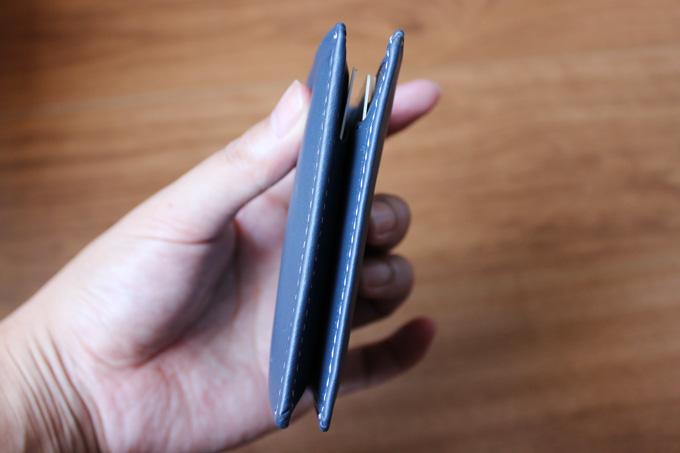 カードを入れても何故薄いのか
