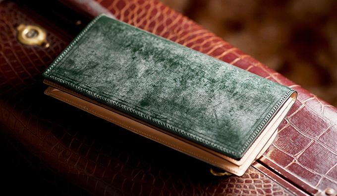 エレガントに魅せたい人にオススメな財布の選び方