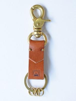 栃木レザー 真鍮キーホルダー レバーナスカン【JAPAN FACTORY】