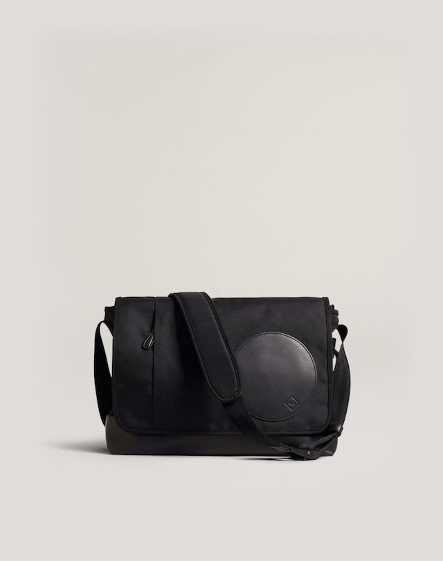 ラディアル メッセンジャーバッグ